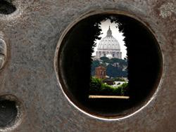 1st keyhole