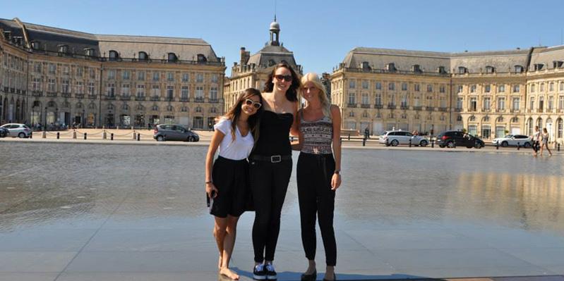 Visiting the Place de la Bourse