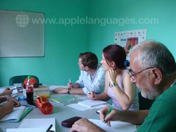 Learning French in small groups