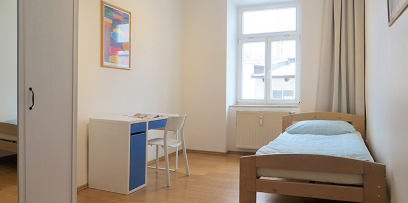 Single room in a shared apartment