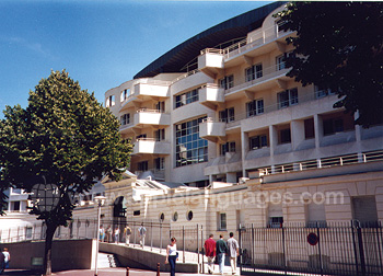 The Residence and School, Paris