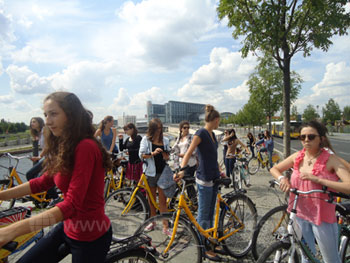 Students on bicycle tour