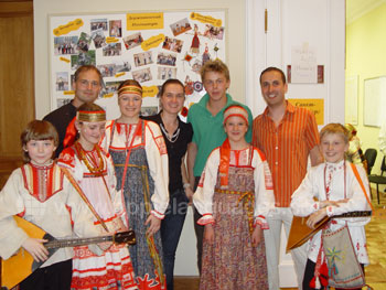 Exhibition of Russian folk music in the school