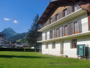 Shared self-catered chalet accommodation