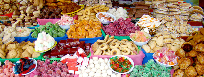 Colourful market treats in Cuenca