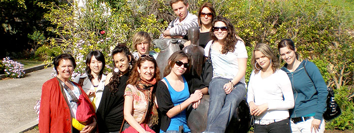 Group exploring Nice together